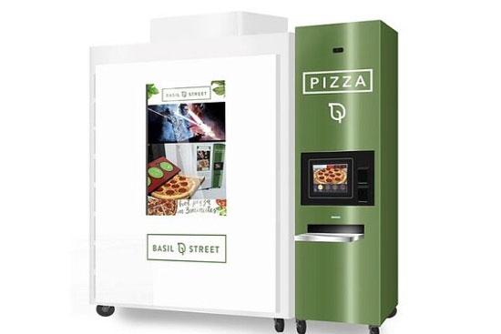 ماشینی که ۳ دقیقهای پیتزا میپزد و میفروشد+عکس