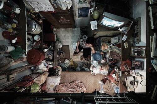 زندگی در خانههای ۴متریِ هنگکنگ+عکس