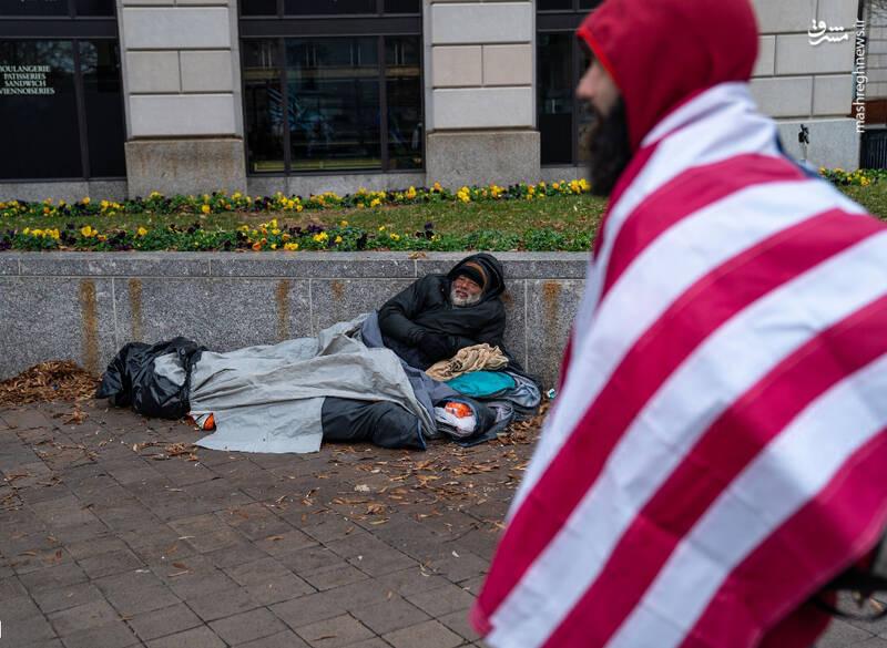 تظاهرات در واشنگتن از دید یک بی خانمان +عکس