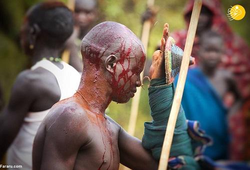 جنگ خونین با بدن عریان برای رسیدن به عروس+عکس