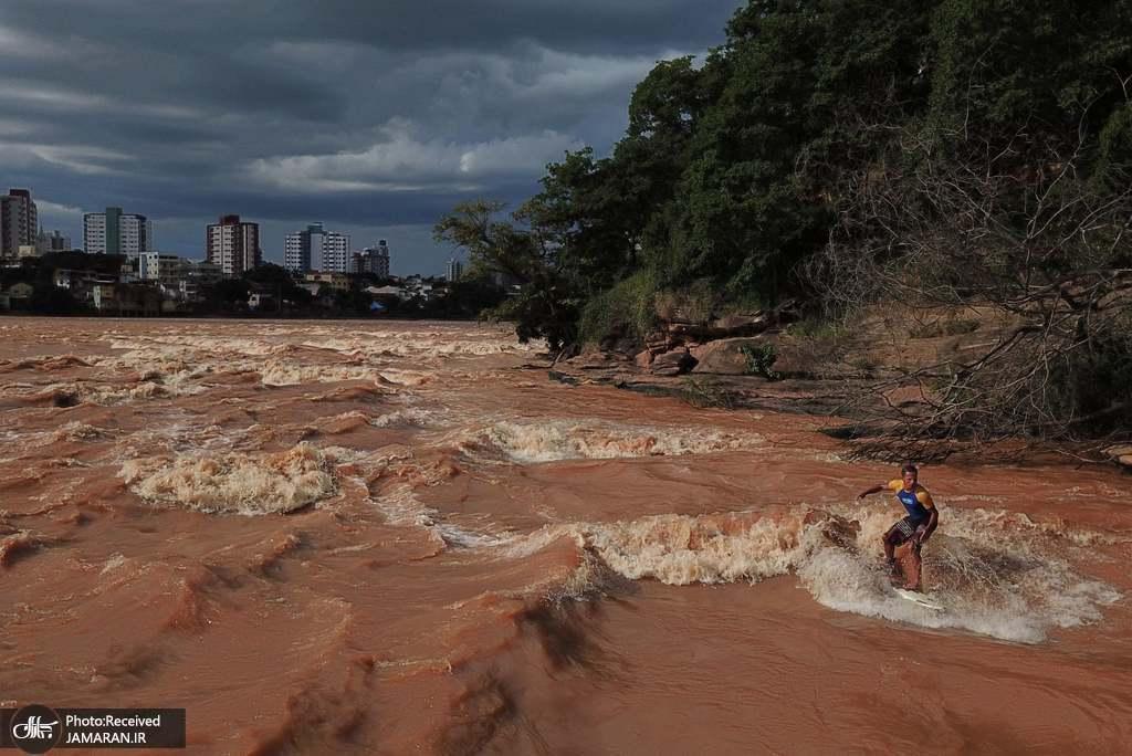 موج سواری در رود دوسی در والاراس برزیل + عکس