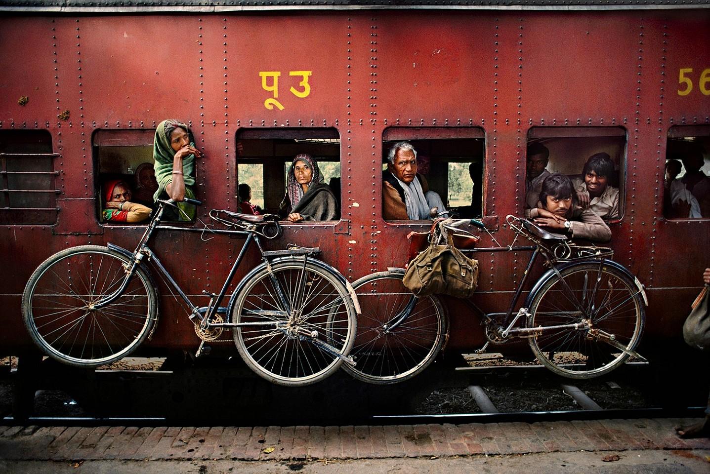 نحوه حمل دوچرخه با قطار + عکس