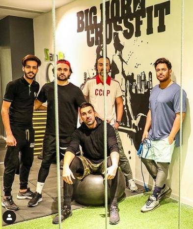 تیپ محمدرضا گلزار با دوستانش در باشگاه ورزشی+عکس