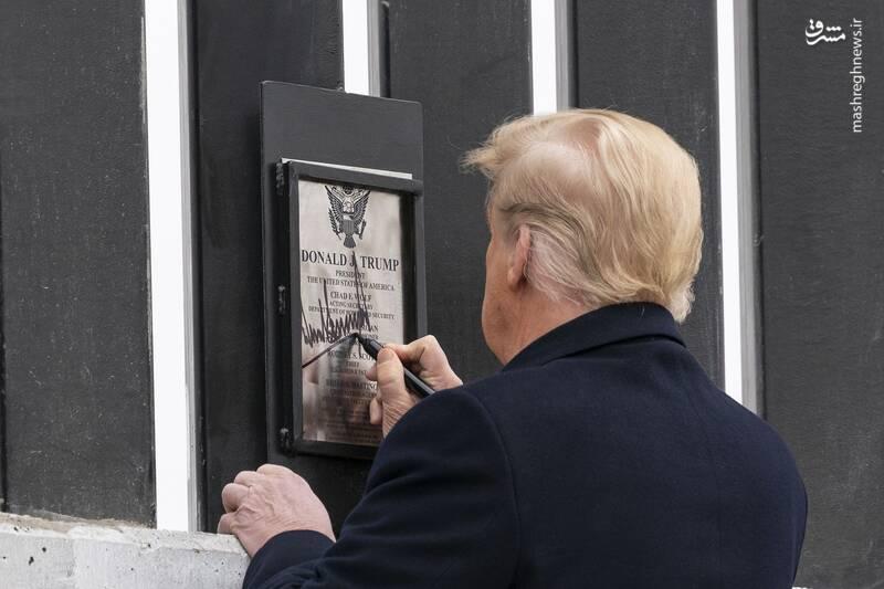 امضای ترامپ روی بزرگترین دستاورد خود +عکس