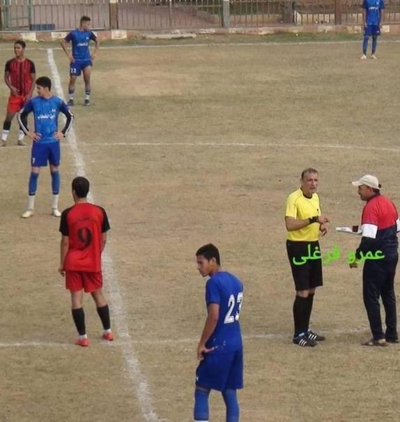 یک فنجان چای برای داور فوتبال در خط حمله سوژه شد+عکس