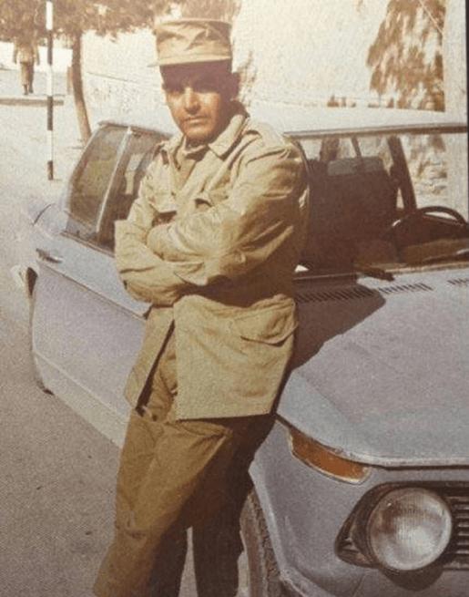 عکس حمید لولایی در دوران سربازی