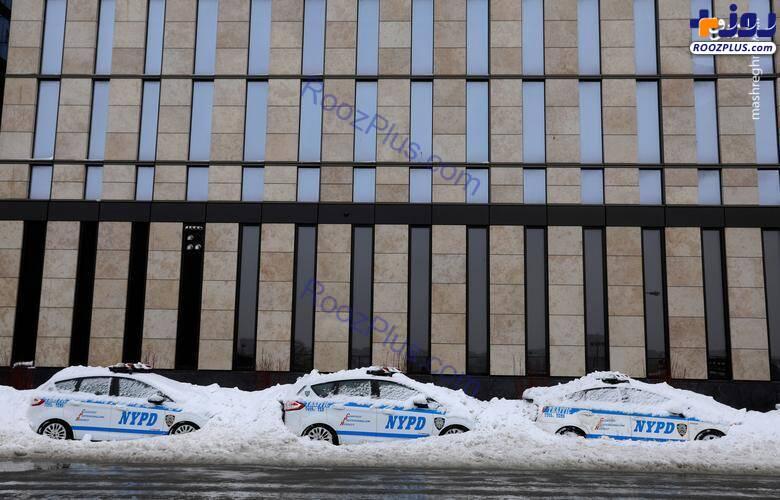 خودروهای پلیس گرفتار در برف +عکس