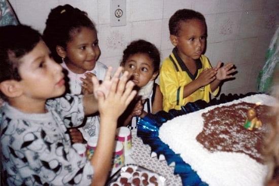 جشن تولد بامزه نیمار در کودکی در کنار دوستان+عکس