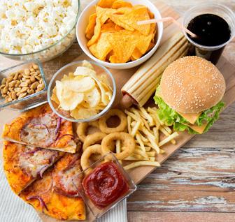 غذاهایی که خواب را دچار اختلال میکند