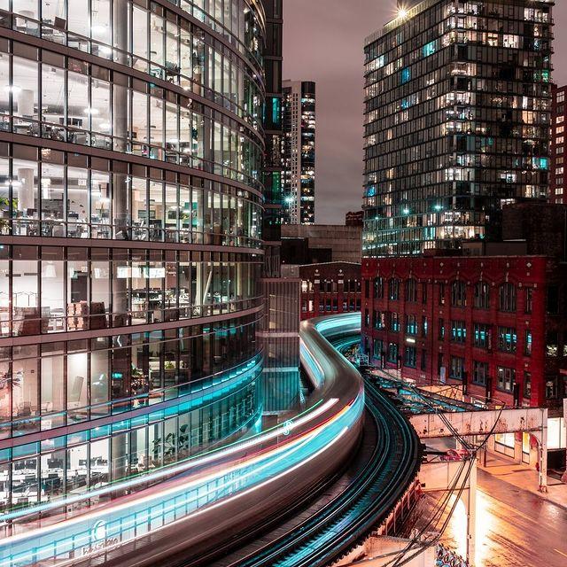 مسیر منحنی شکل قطار در شیکاگو + عکس