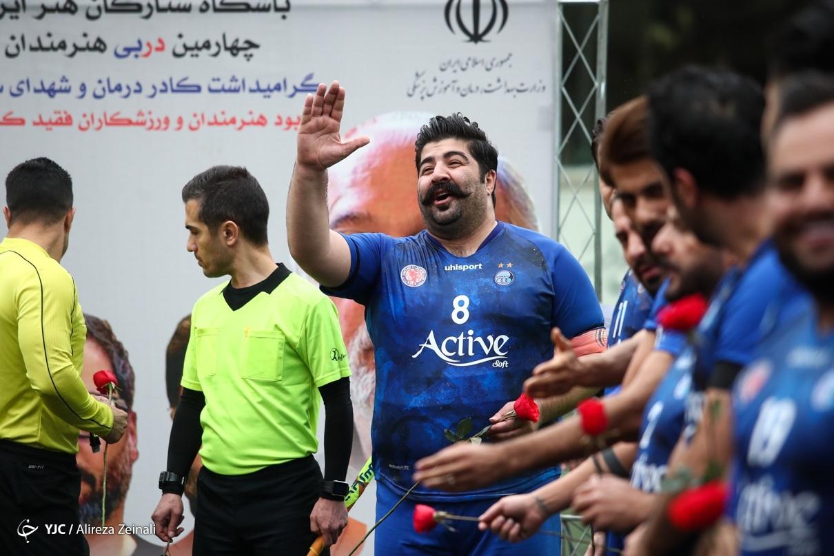 بهنام بانی در تیم فوتبال هنرمندان قرمز و آبی +عکس