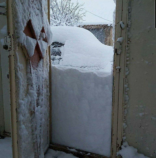 برخی از روستاهای لرستان در زیر برف پنهان شدند