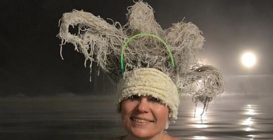 موهای یخی؛ تفریحی جالب در کانادا
