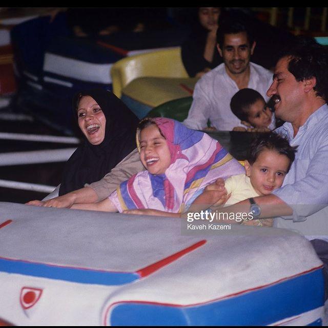 تفریح خانوادگی در تهران سال 73 + عکس