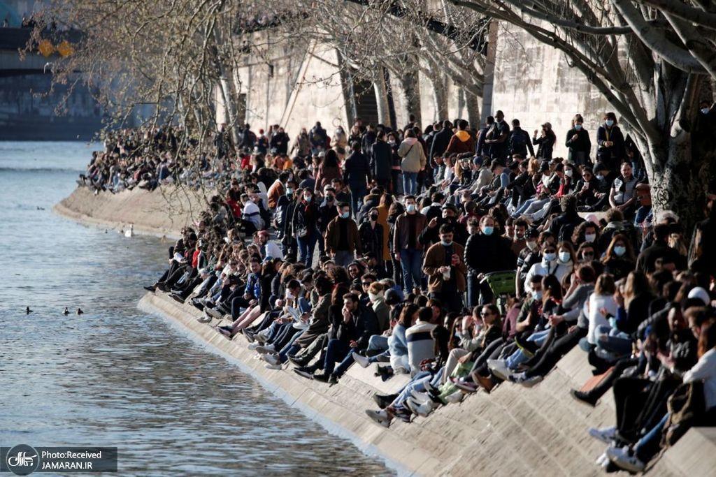 ازدحام و بی توجهی به کرونا در پاریس + عکس
