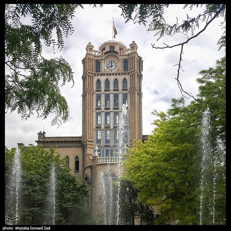 برج زیبای ساعت در تبریز + عکس