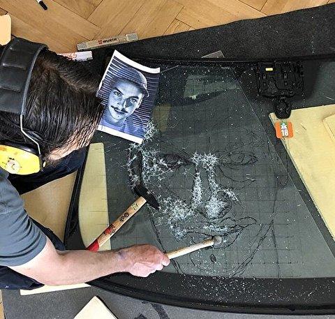 خلق نقاشیهای حیرتانگیز با استفاده از چکش و شیشه!
