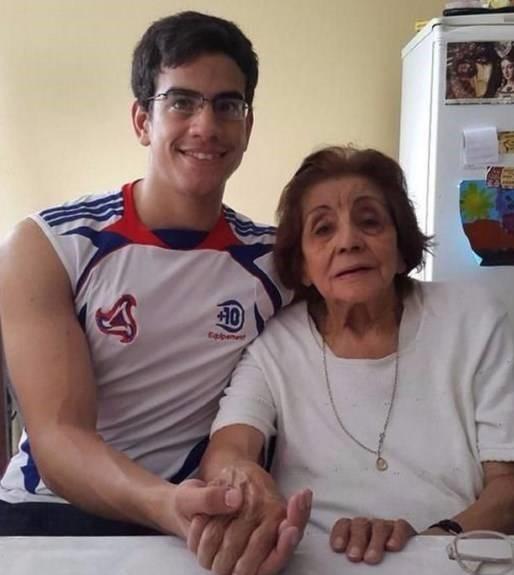 ازدواج عجیب پسر ۲۳ساله با عمه ۹۱سالهاش+عکس
