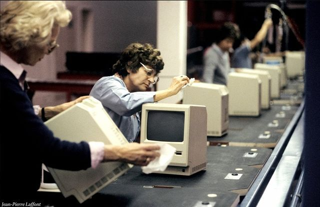 خط تولید کامپیوتر مکینتاش ۳۷ سال پیش + عکس