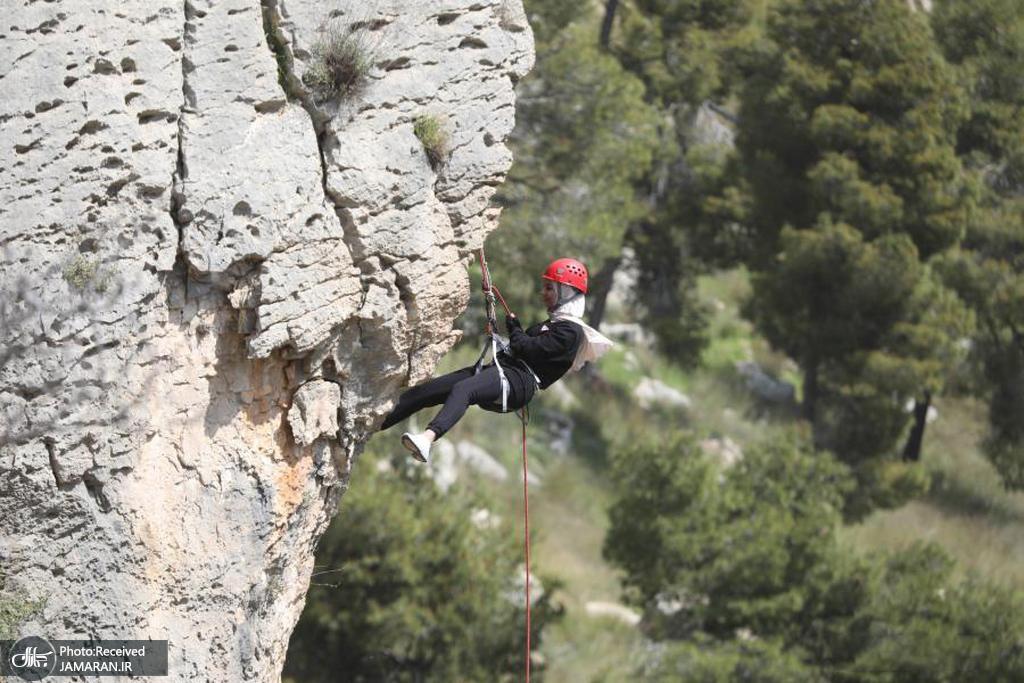 صخره نوردی یک زن فلسطینی در کرانه باختری + عکس