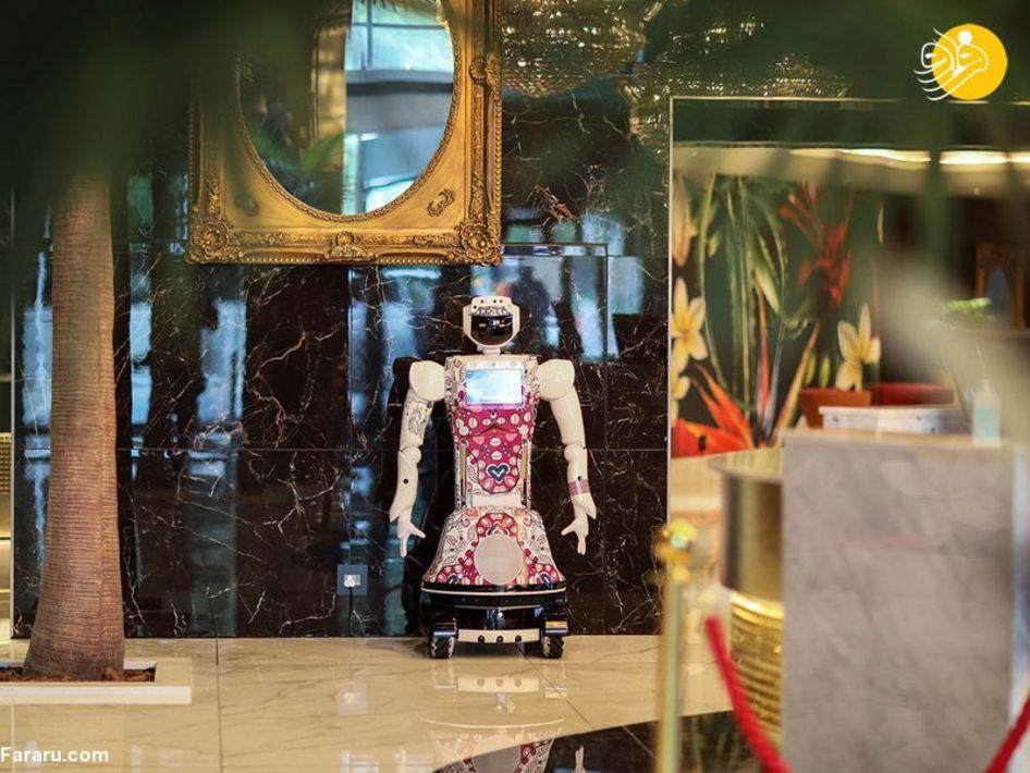 هتلی با خدمتکارهای رباتیک در آفریقا + عکس
