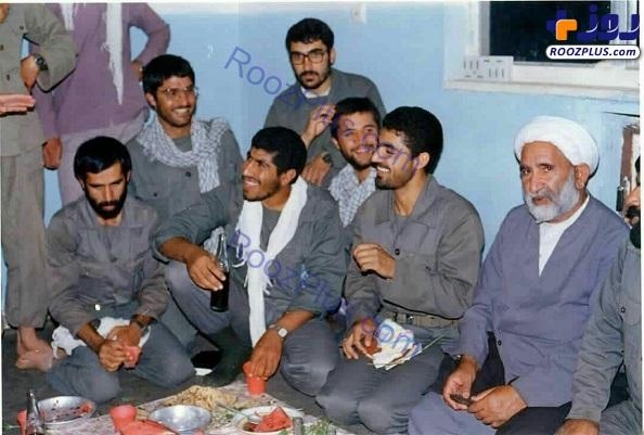 تصویری شاد از سردار قاسم سلیمانی در جبهه