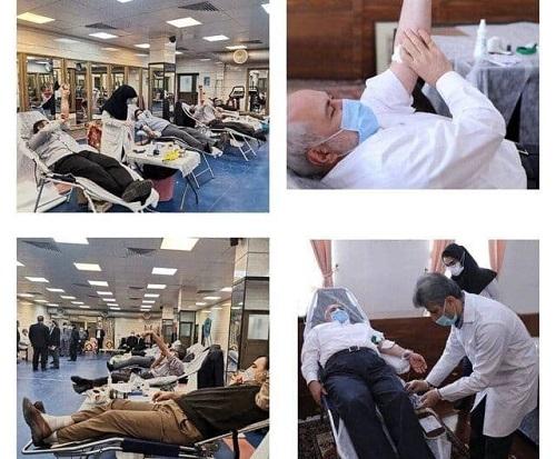 ظریف و اعضای وزارت خارجه خون دادند