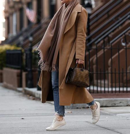 بهترین انتخابهای کیف و کفش با پالتوی بلند