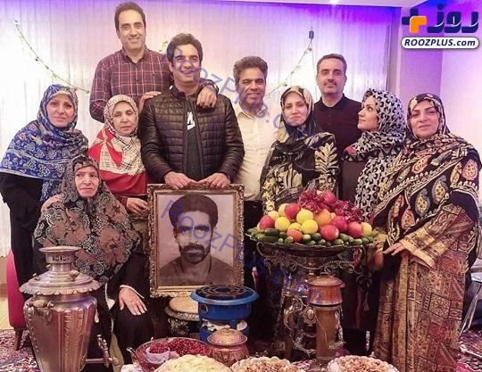 عکس یادگاری منوچهر هادی با خانوادهاش