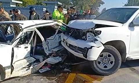 تصادف خوفناک سه خودرو در چهارراه به سبک فیلمهای هالیوودی