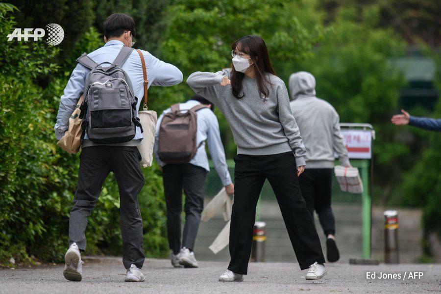 دست دادن کرونایی دو دانش آموز دبیرستانی در کره جنوبی + عکس