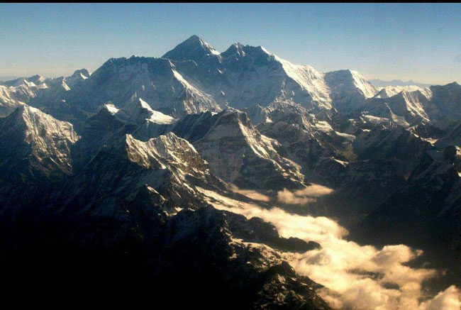 کرونا باعث شد تا قله اورست دیده شود+عکس