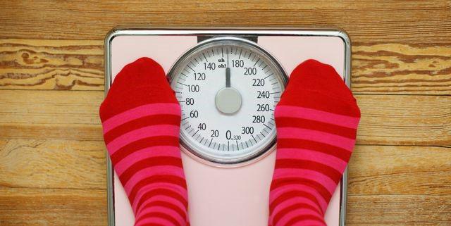دلایل افزایش وزن زنان در عادت ماهیانه