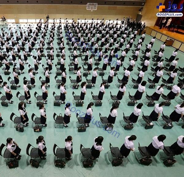 مراسم بازگشایی مدارس در ژاپن با رعایت فاصله گذاری اجتماعی +عکس