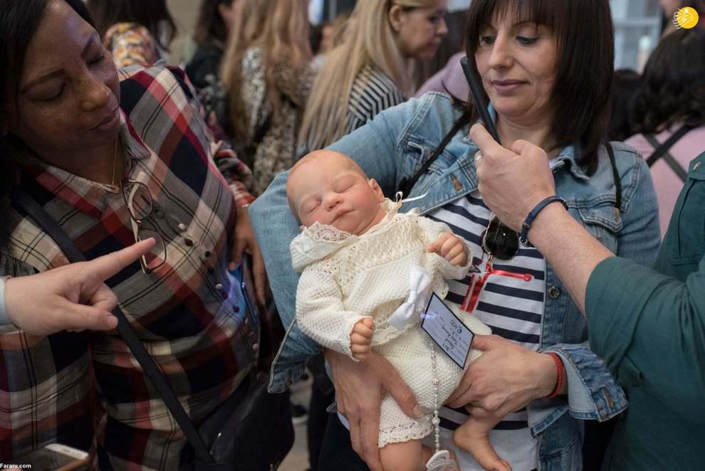 بازار داغ عروسکهای متولد شده شبیه نوزادان!