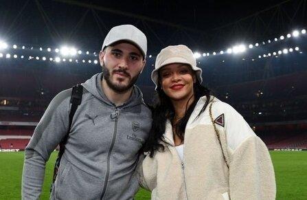 دستگیری همسر فوتبالیست مشهور به جرم حمل اسلحه +عکس