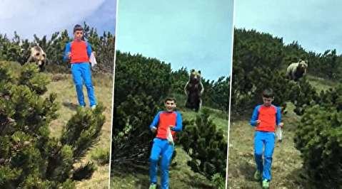 خونسردی عجیب کودکی که خرس او را تعقیب میکرد!
