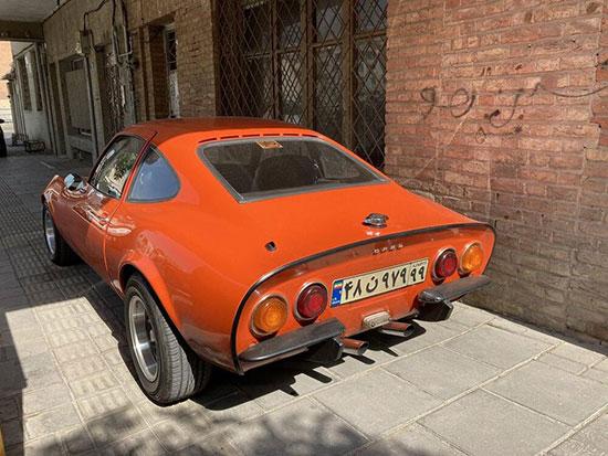 خودرو کلاسیک و لاکچری اُپل در تهران