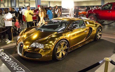 خودروی از جنس طلا که چشمها را خیره میکند +تصاویر
