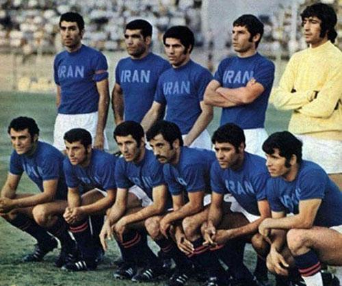 تیم ملی فوتبال ایران با لباسی با رنگی عجیب +عکس