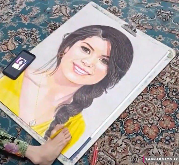 دختر ایرانی و خلق نقاشیهای زیبا با یک پا