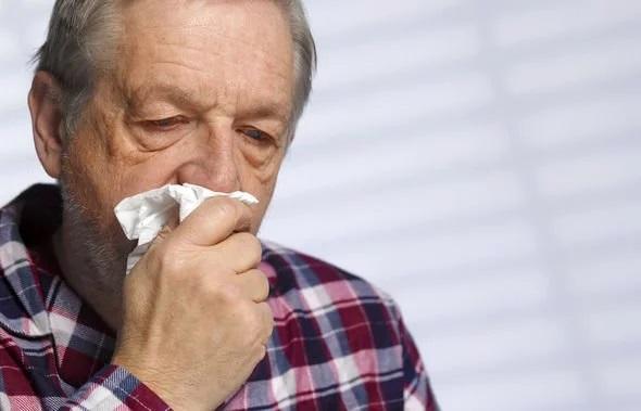علائم جدید کرونا؛ آبریزش بینی، حالت تهوع و اسهال
