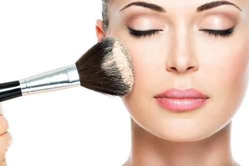 توصیه های الزامی برای دوام آرایش روی پوست های چرب