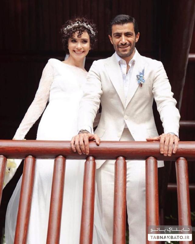 لباس عروس ساده و زیبای بازیگر معروف ترکیهای