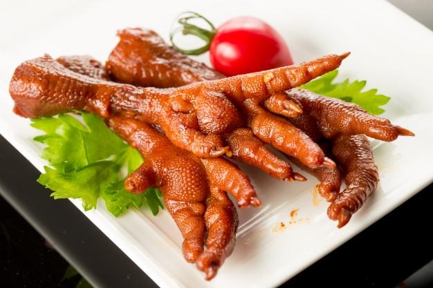 آیا خوردن پای مرغ منفعت دارد؟