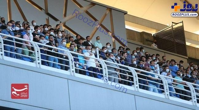 حضور عجیب تماشاگران روی سکوها در فینال بی تماشاگر جام حذفی+عکس