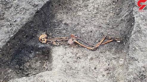 وحشت کارگران از کشف اسکلت یک انسان هنگام حفاری خانه +عکس