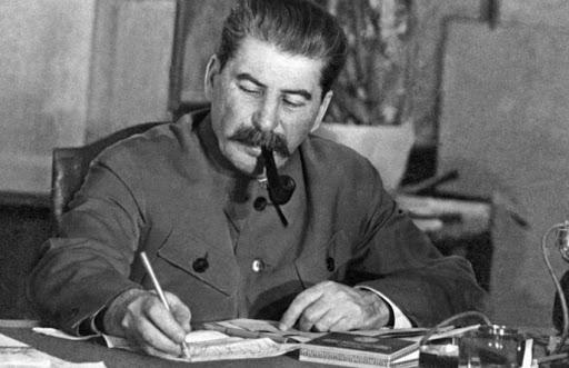 چرا فاشیستها جلوی ادبیات را میگرفتند؟