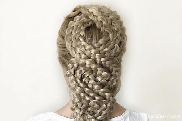 بافت های موی پیچیده و رویایی توسط دختر جوان آلمانی