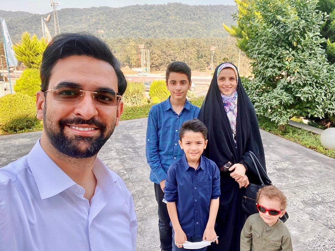 تفریح خانوادگی وزیر جوان روحانی در روز جمعه +عکس